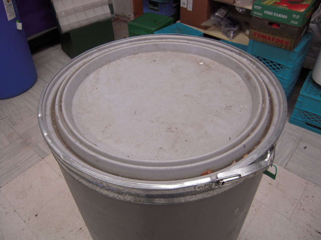 how to open a cardboard barrel